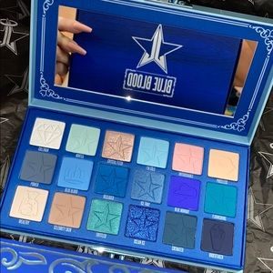 💙 Jeffree Star Blue Blood palette 💙